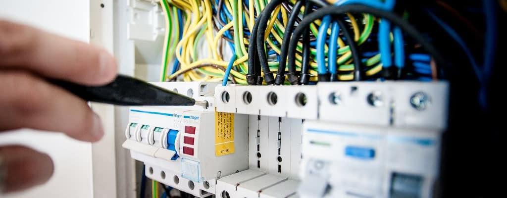 Υπηρεσίες Bavelec - Επισκευές - Βλάβες Ηλεκτρολογικής Εγκατάστασης